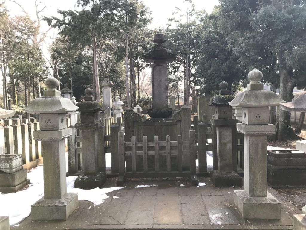 豪徳寺 井伊直弼墓