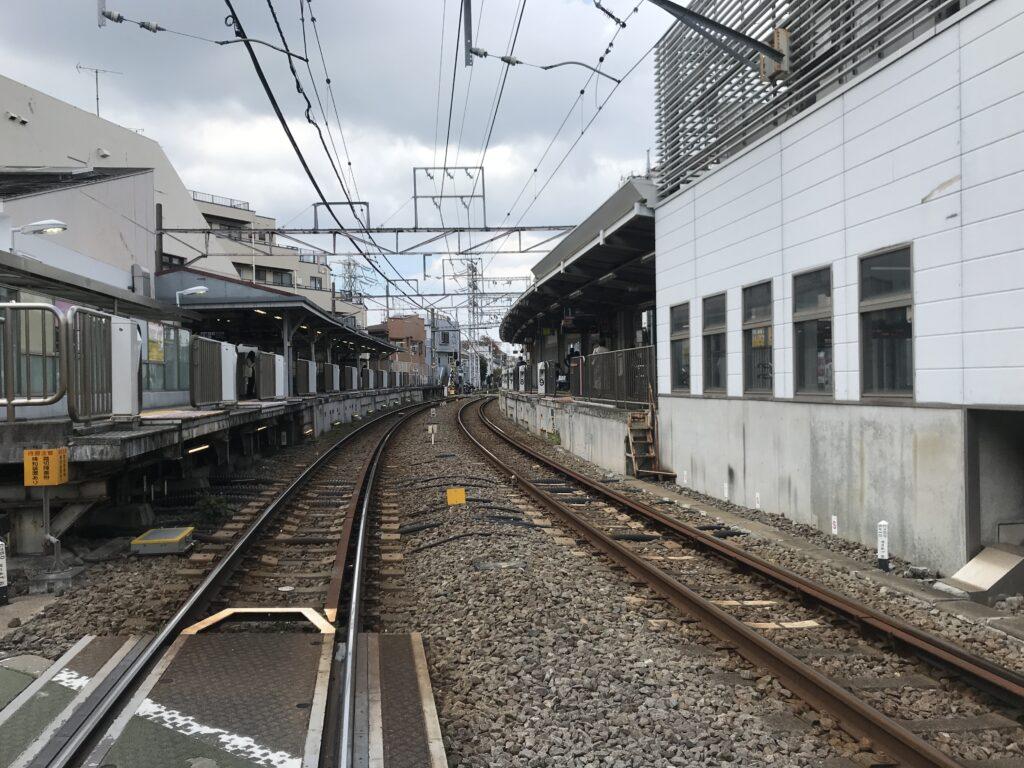 IK12_千鳥町駅全景