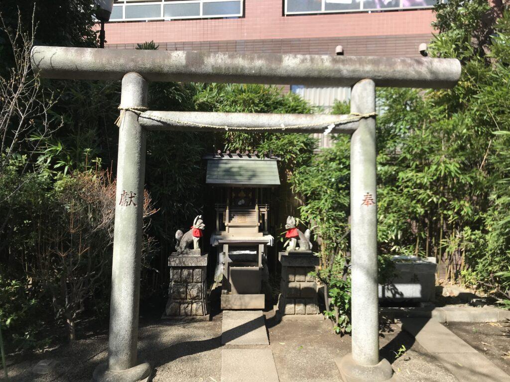 DT03_池尻稲荷神社水神社